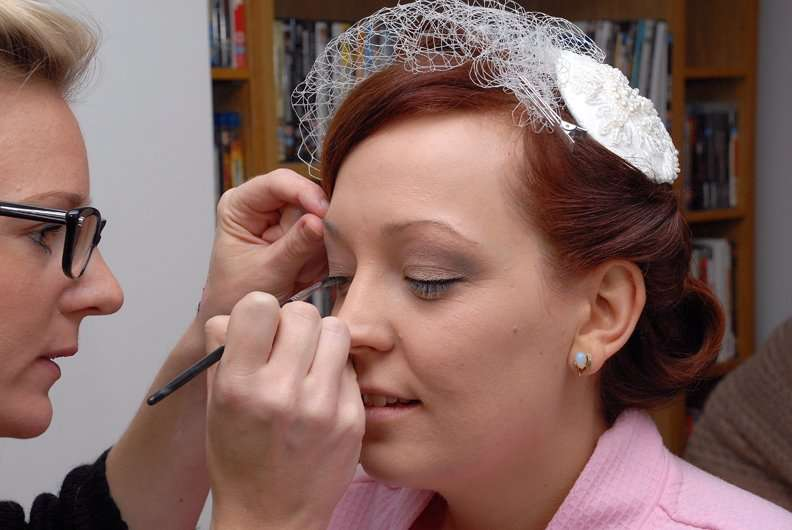 Lisa kent bride Getting Ready on the Wedding Day