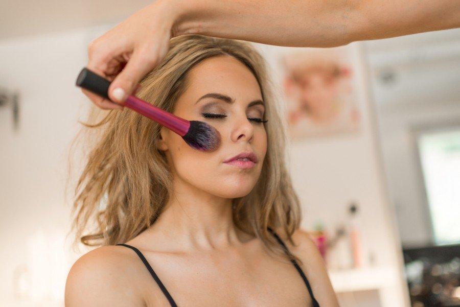 how to do 70s boho bridal makeup