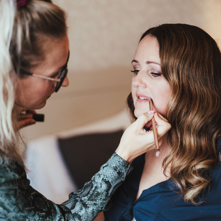 4 Reasons Why Booking a Makeup Artist for your Wedding Day is Essential